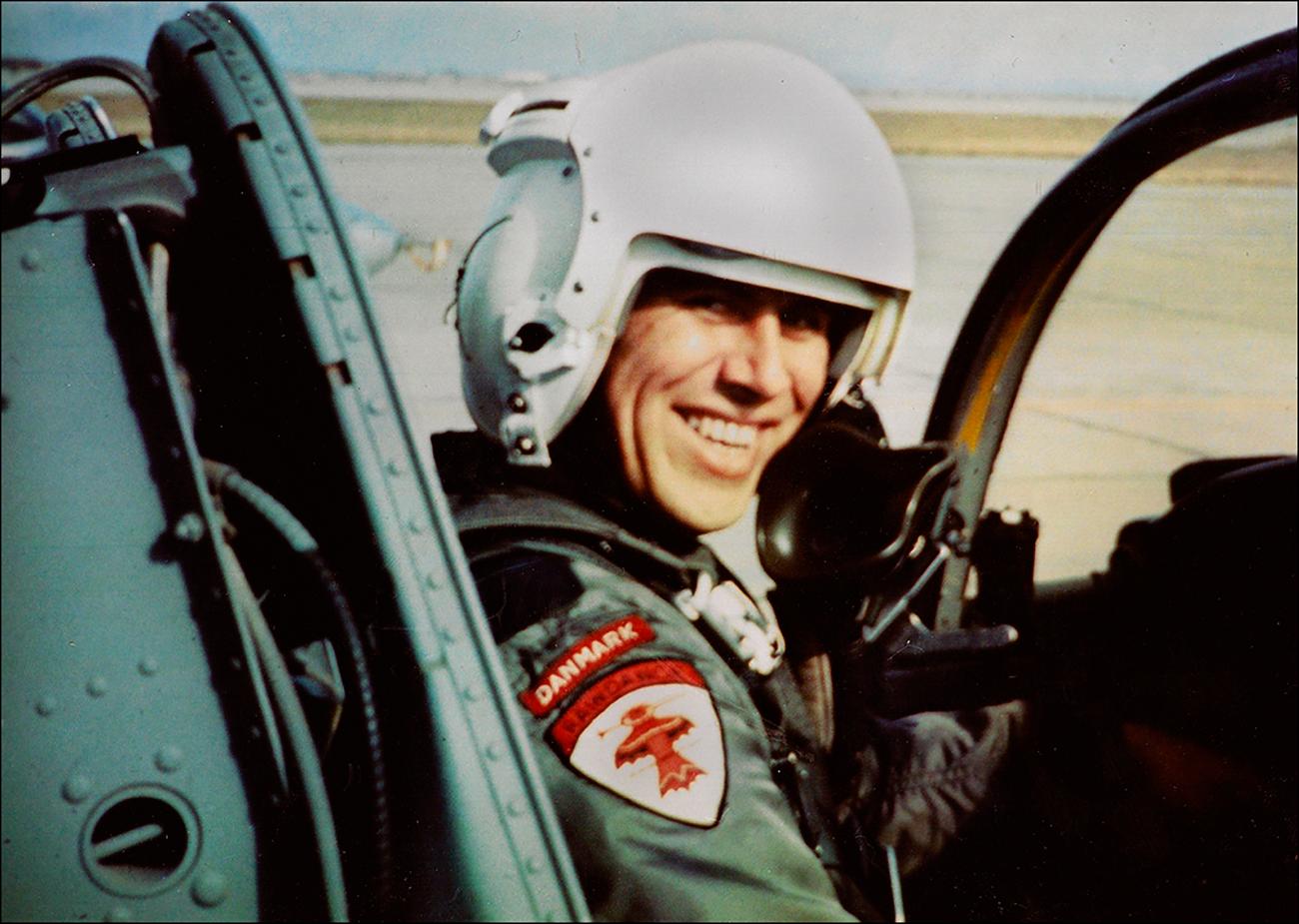Stefan Rasmussen i et kampfly i USA